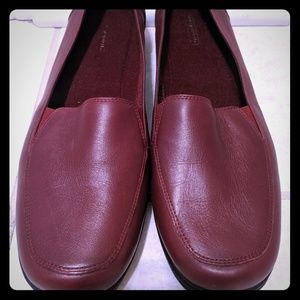 Easy Spirit red comfort loafers, 10